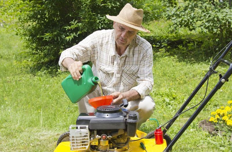 what lawn mower oil to use
